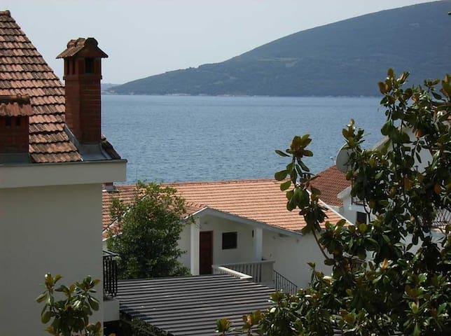 Apartment 80m2 in quiet area 80m from the sea - Herceg Novi - Pis