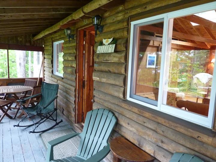 Cabin on Seal Cove in South Bristol