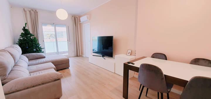 LOCATION BARCELONA CENTER NEAR CAMP NOU AND SANTS