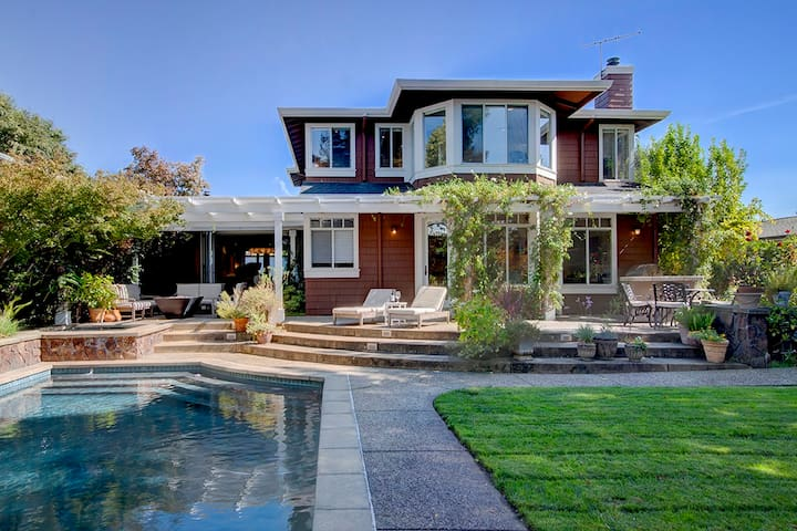 Stunning Yountville home with outdoor oasis