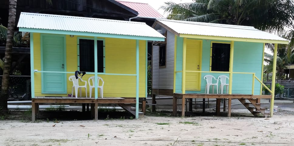 Mini Hut 120 in Barefoot Beach Resort