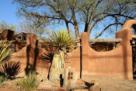 Hammond Bosque Adobe - Corrales