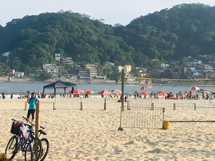 Gonzaguinha em São Vicente comWi-Fi e Pé na areia.