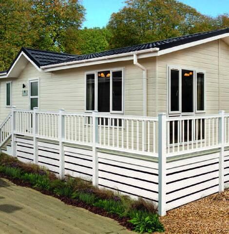 2 Bedroom Deluxe Lodge at Norfolk Park - North Walsham - อื่น ๆ
