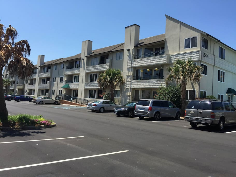 Condo building and rear parking-2 parking spaces are provided with the rental
