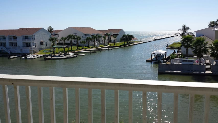 Water front condo with fishing pier - Rockport - Selveierleilighet