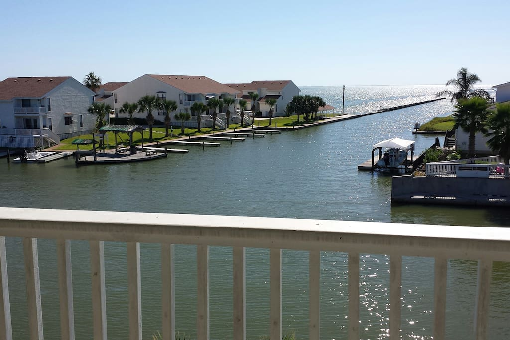 Water front condo with fishing pier condominiums for for Rockport texas fishing report