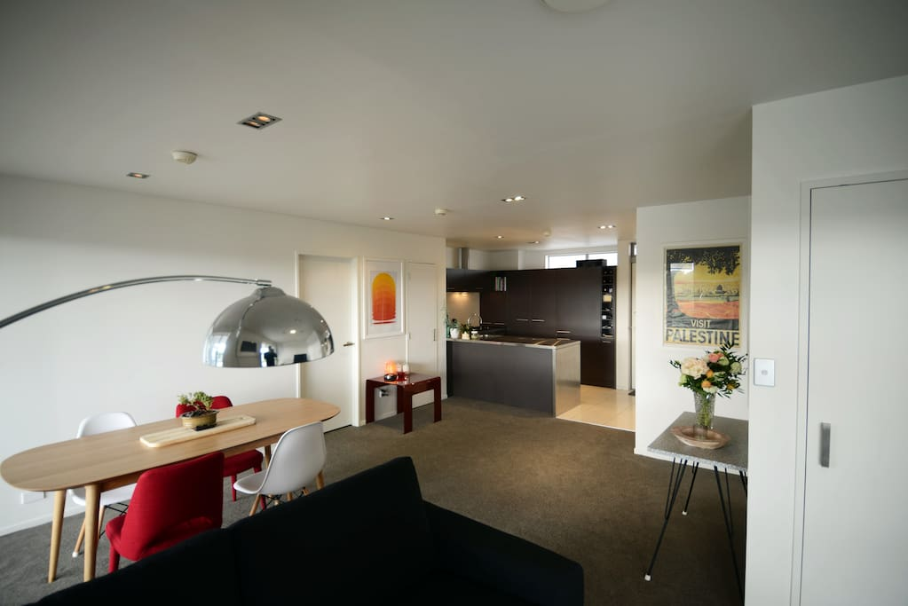 Open plan living, kitchen and dining room.