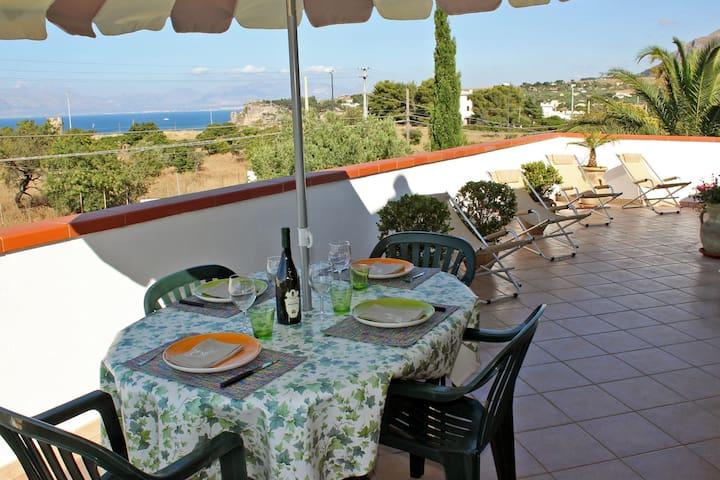 Apartment with panoramic view - VILLA PARADISO