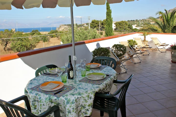 Apartment with panoramic view - VILLA PARADISO