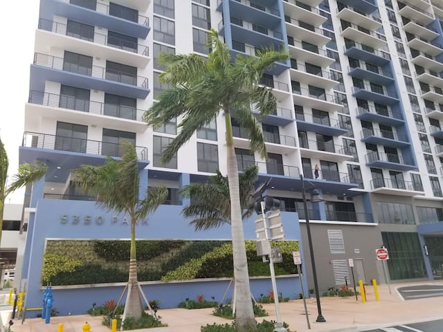 Downtown Doral Luxury new building Resort Style