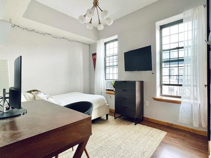 Room with HDTV, near Prospect park & Franklin Ave