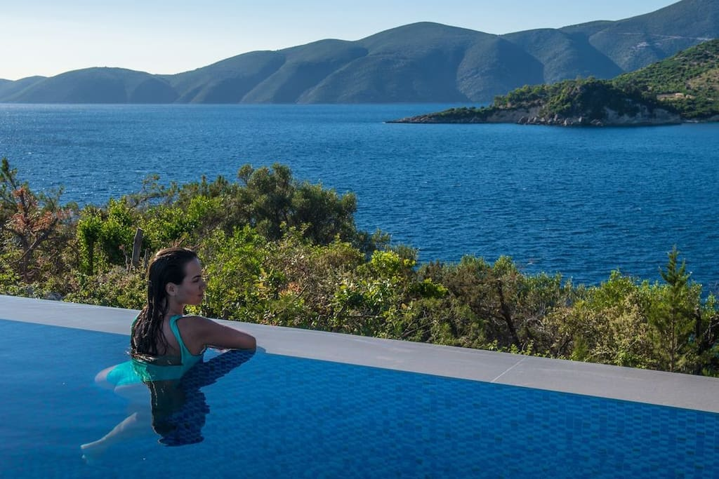 Relaxing sea view from the huge luxurious pool