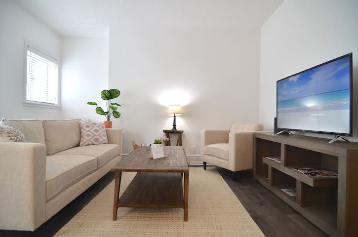 Ocean Front Walk Private 1 bed Apt with Ocean View