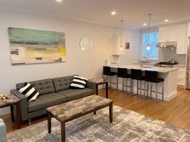 Modern Suite| Amazing Location (3)