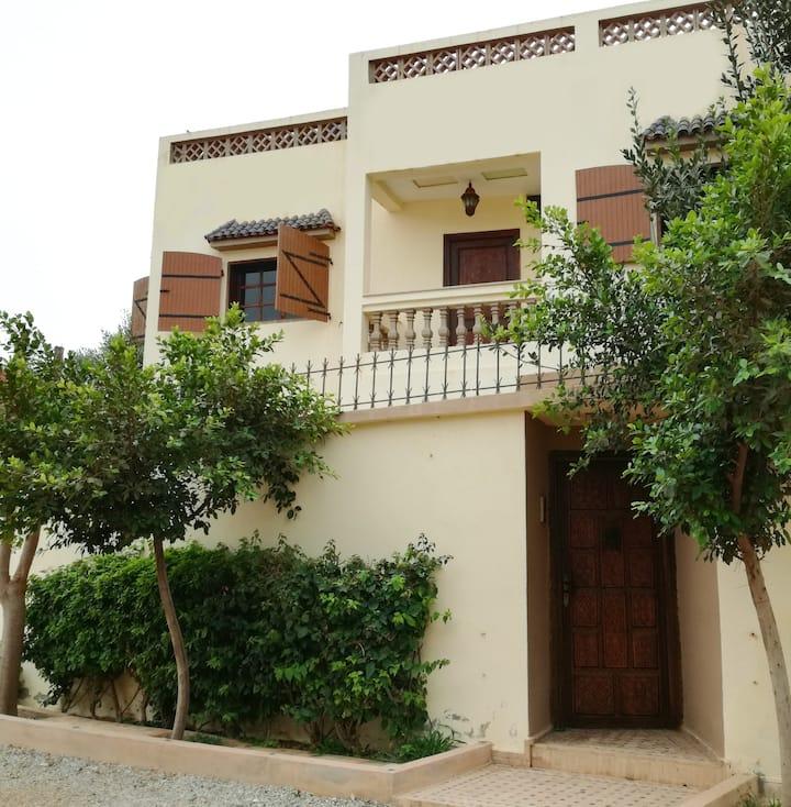 Mirleft: Appartement spacieux en RDC