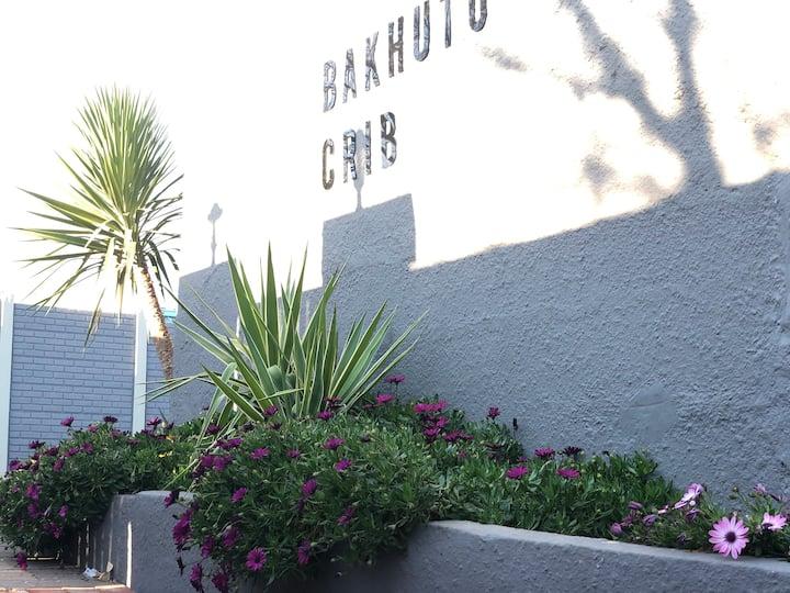 Bakhuto Crib