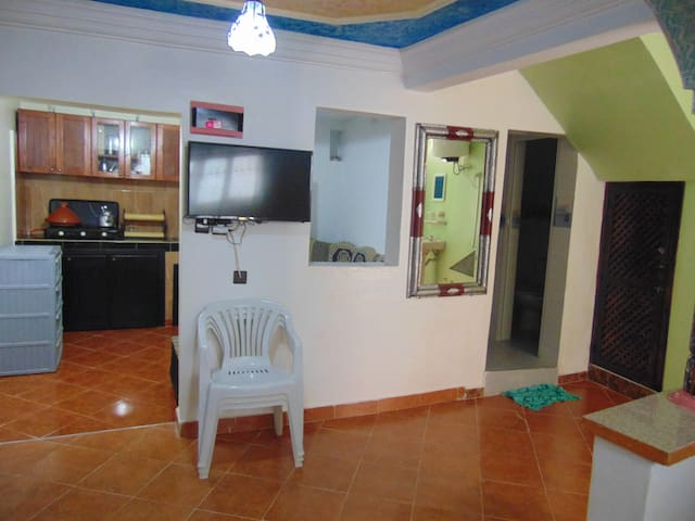Cheap nice house in the center of Taghazout