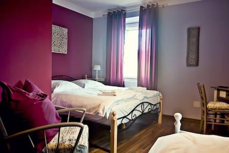 Enzos Suite - Siefersheim - Bed & Breakfast - 1
