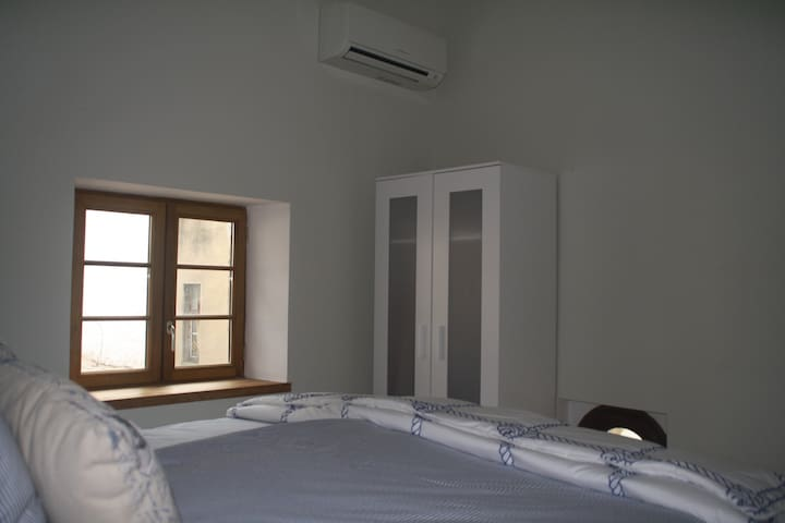 Riverside Gardens B&B Aircon King-double central Limoux