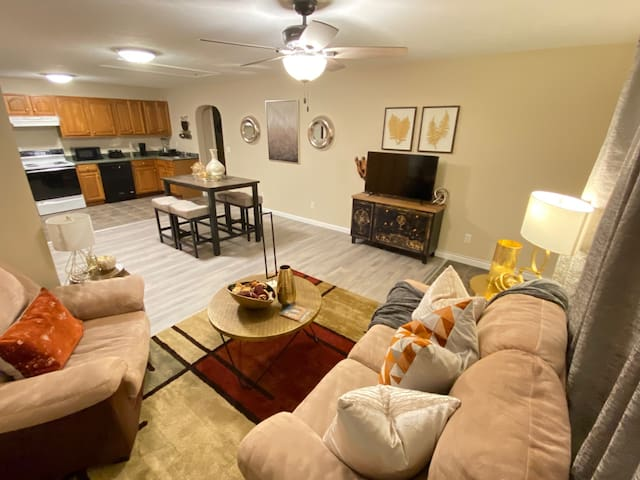 Cozy-Fully Furnished-Utilities Included & WI-Fi