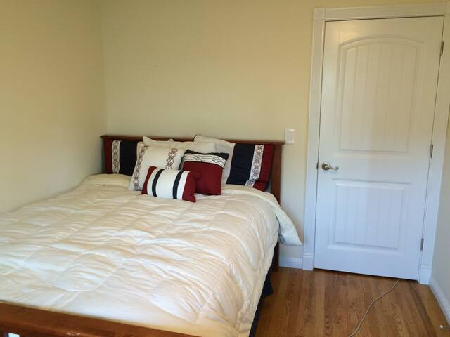 Scotts Valley Private Bedroom