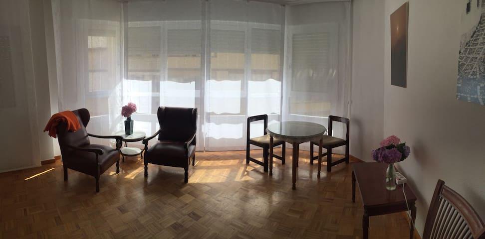 Apartamento luminoso céntrico Villa de Santoña. - Santoña - Daire