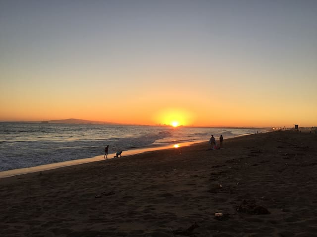 Holiday Resort Sunset Beach 美丽的日落海滩 NEW Listings