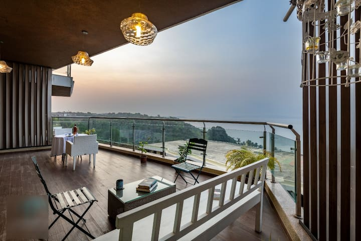 Luxury Sea View Apartment At Dona Paula!!
