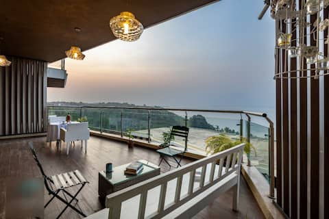 Luxury Sea View Apartment At Dona Paula!!