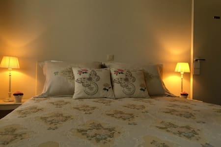 Bed and Breakfast Huyze Filez  - Izegem - Aamiaismajoitus