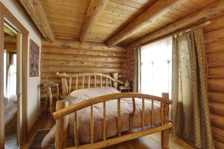 Little Beaver Bedroom (4)