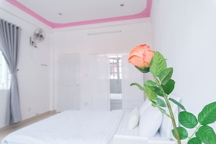 NEW! 2BR CBD Modern - Comfort with Huge Balcony - Ho Chi Minh City - Huis