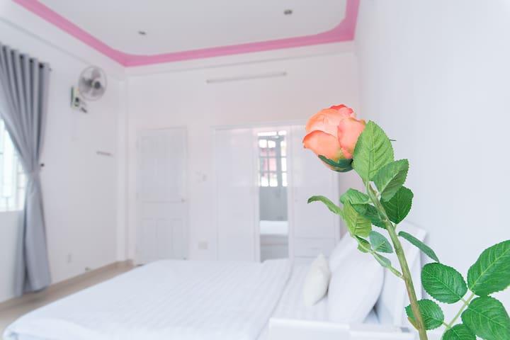 NEW! 2BR CBD Modern - Comfort with Huge Balcony - Ho Chi Minh - Casa
