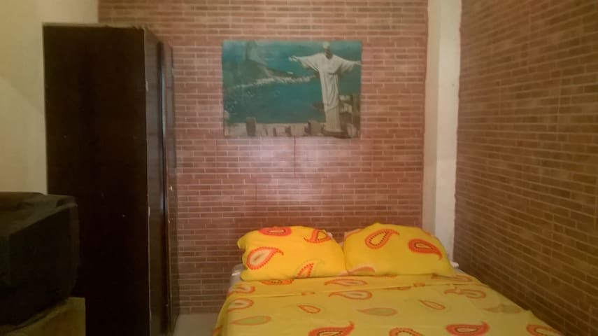 Close to Samba´s City and VLT Station - Rio de Janeiro - House