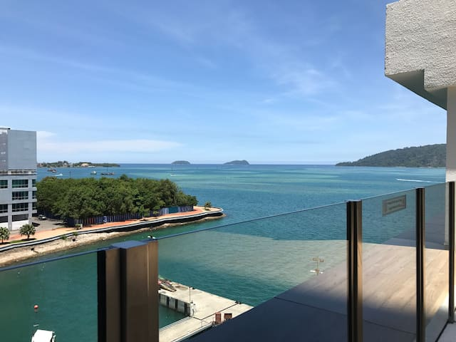 Brand New Luxury Sea Side Suite - Kota Kinabalu - Condo