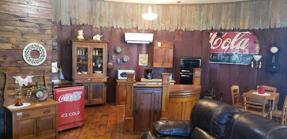The Grain Bin Lodge and Retreat
