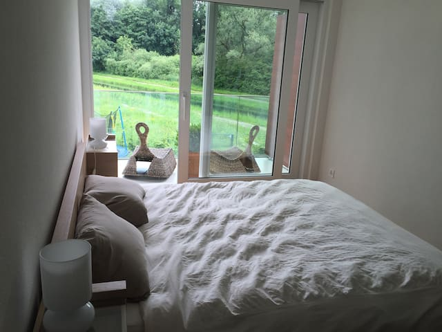 Comfy bedroom in a nice flat - Villeneuve