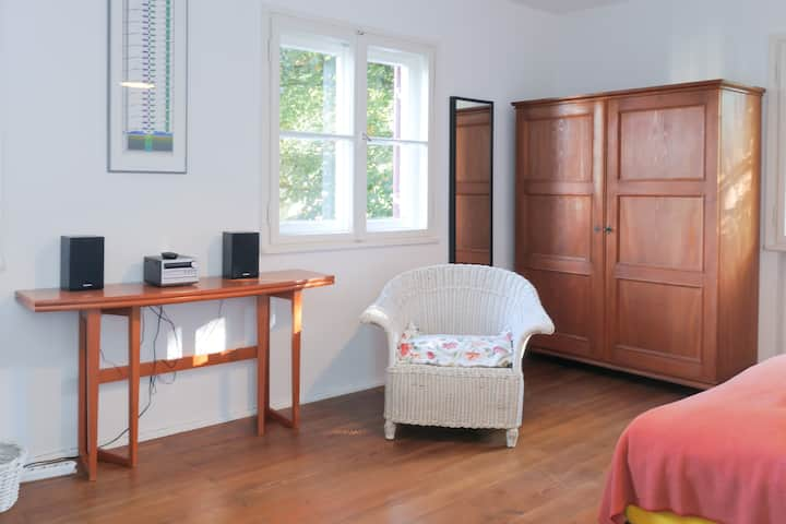 Nice room in a quiet location