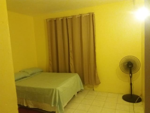 Room in the heart of Kingston City