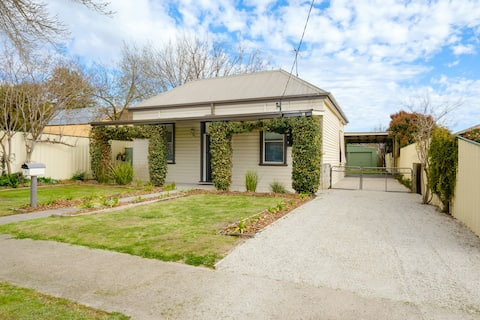 6 Hume Street, Luxe Accommodation