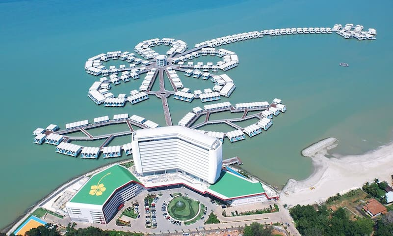 Up to 20% Discount Full Sea View Sky Tower Resort - Port Dickson - Vila