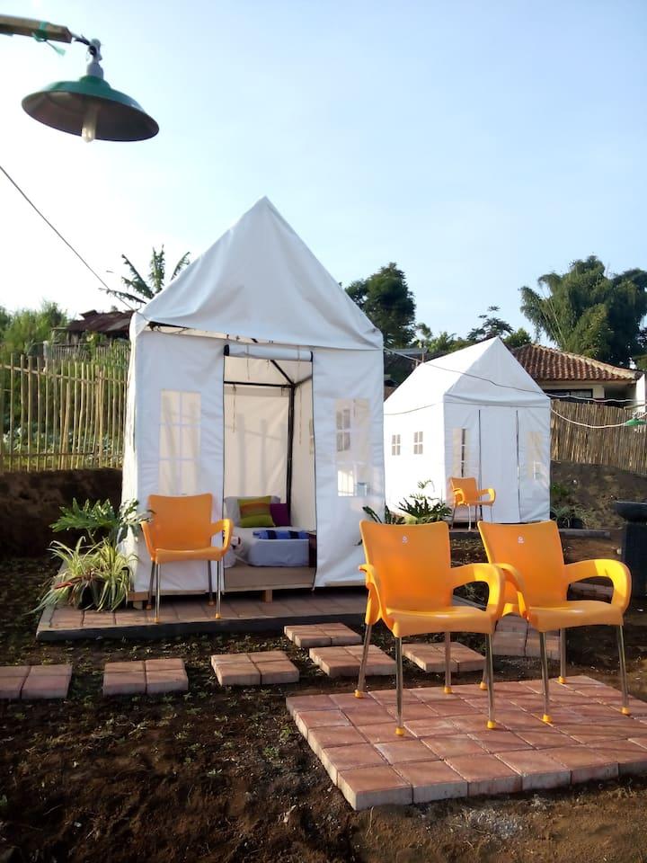 Lembur Incu Syariah Villa & Resto Glamour Camping