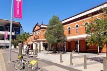 5 minutes walk to South Brisbane train station