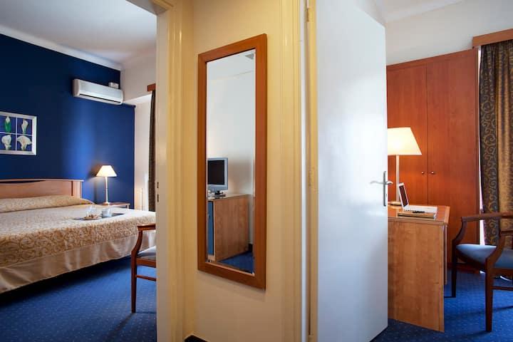 Interconnecting room (garden view) | Lucy Hotel