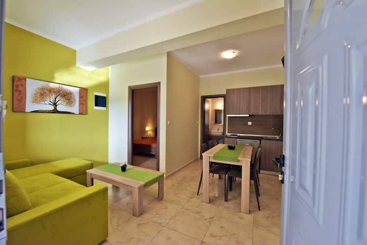 Elia Beach Suites #1: 100m from the beach!