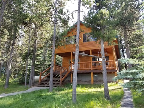 Exclusive, waterfront cabin in secluded cove