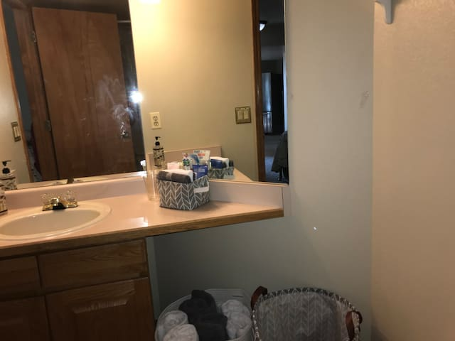 Another view of full bathroom