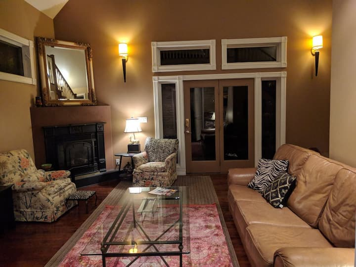 2 Bedroom Executive LOFT Suite