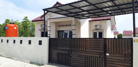 Cadek Home by Afaris House